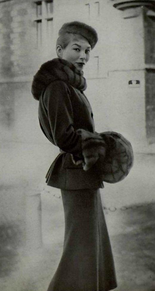 1954 - Chanel winter suit: