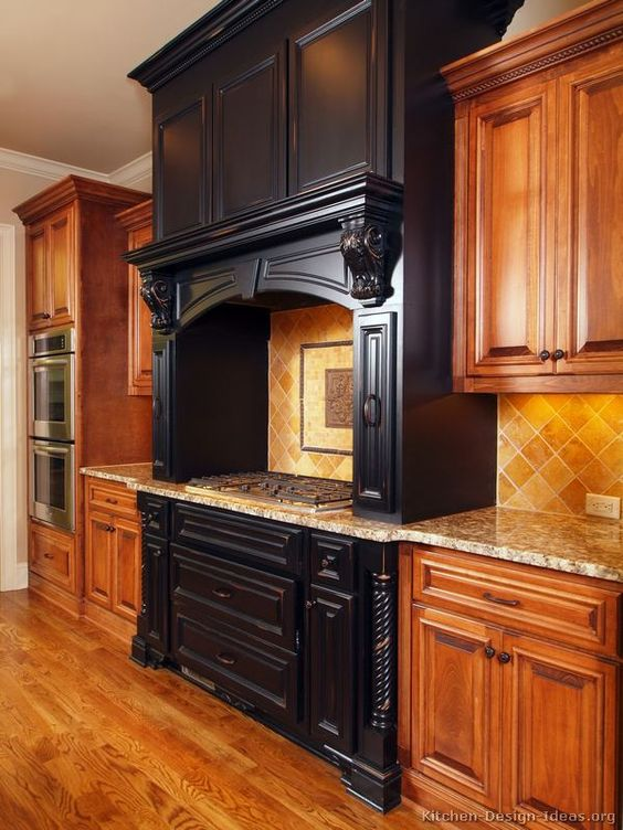 Traditional Two-Tone Kitchen Cabinets #215 (Kitchen-Design-Ideas ...