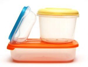 Verfärbte Dosen und Schalen von Tupperware reinigen