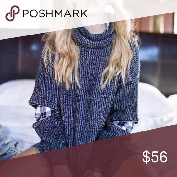 navy and white turtle neck zipper sleeve sweater •fits S or M the best    •features: gold zippers in the elbows  •no trades  ⚠️ if this item does not fit you CANNOT return it - poshmark policy B-Long Boutique  Sweaters Cowl & Turtlenecks