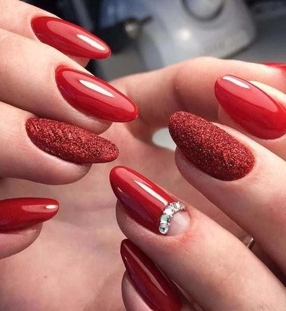 Red Floral Nail Design Trend 2019 Red Nail Art Designs Red Nail Art Crystal Nails