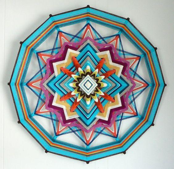 Artículos similares a Blue Sky, una de 24 pulgadas, 12 caras, Ojo de Dios mandala, por Jay Mohler en Etsy