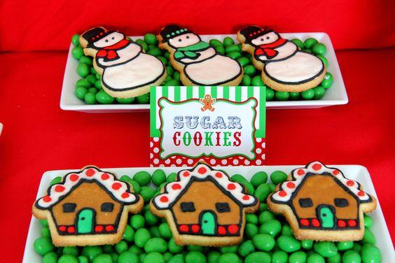 Cute way to display cookies: Christmas Food, Christmas Cookies, Birthday Parties, Christmas Sweets, Holiday Food, Holiday Cookies, Christmas Sugar Cookies, Christmas Table, Decorations Photos
