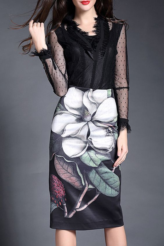 I'm all about floral prints   High Waist Floral Skirt
