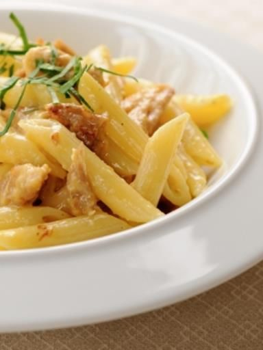 penne fa on carbonara au thon recette parmesan penne p tes et cuisine. Black Bedroom Furniture Sets. Home Design Ideas
