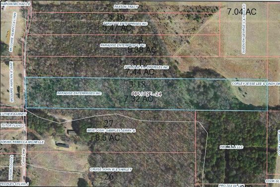 This partially wooded property is located on Cario Loop and would make an excellent investment property.  It is located close to New Albany, Pontotoc, and Ashley Furniture Industries. North Pontotoc School District.