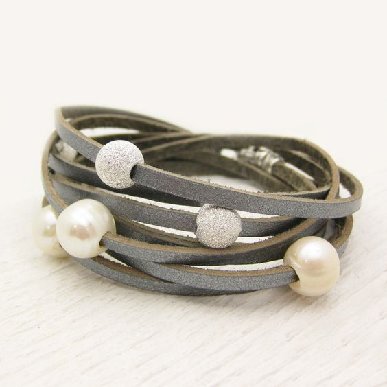 Sterling Silver Pearl and Leather Wrap Bracelet / Fresh Water Pearl & Eco Friendly Leather / romantic dreamy ocean wedding star inspired. I think I will make a different version of this.