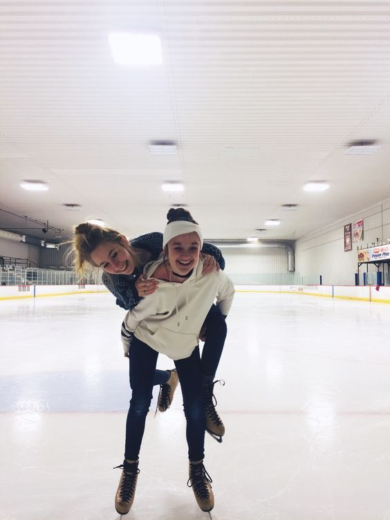 Late Night Ice Skating Friend Photoshoot Friend Photos Cute Friends