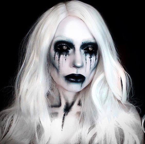 30 Pretty Ghost Makeup Ideas For Halloween In 2020 Amazing Halloween Makeup Halloween Makeup Inspiration Halloween Makeup Looks