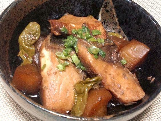 最後の一煮立ちにバルサミコ酢を入れると全体的に味がまるっとなって程良い酸味で美味しいよ♪ - 1件のもぐもぐ - ぶり大根inバルサミコ酢 by ranya