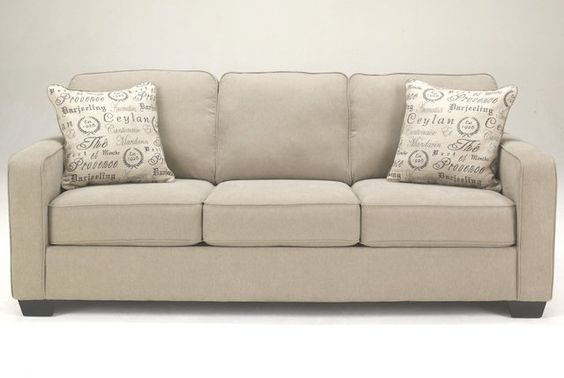 Sofas et causeuses sofa d coration maison marie jos e for Meuble ashley liquidation