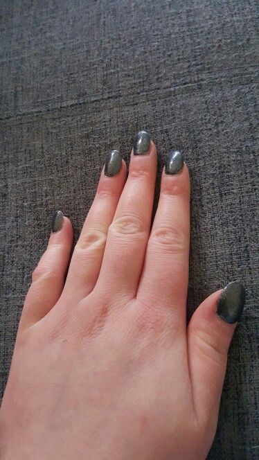 Grey glitter gel nails. Done by NailsInc :)