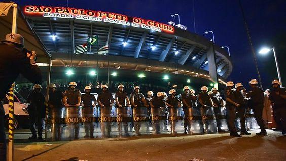 #Esportes: São-paulinos entram em confronto com a PM após derrota no Morumbi