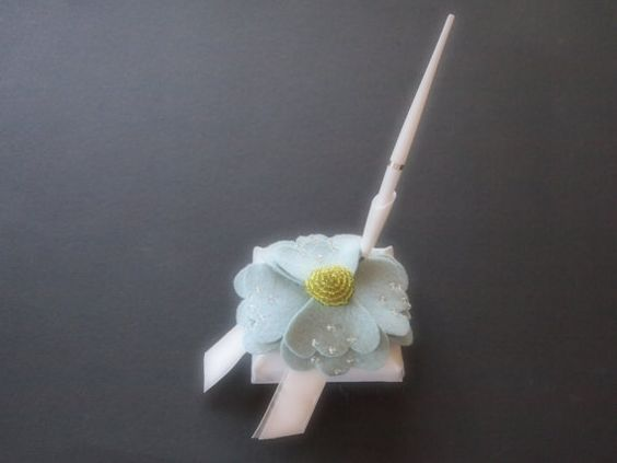 Pen and Stand White Blue Green Anemone Flower by ArtisanFeltStudio, $18.00