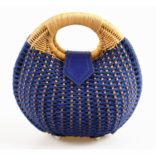 Shell shaped woven straw tote bag:
