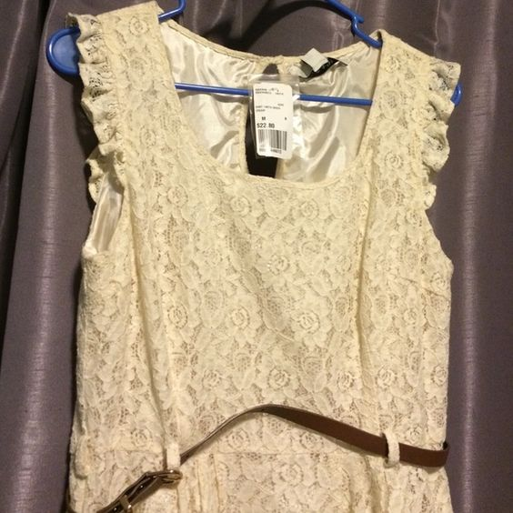 Lace dress Never worn Forever 21 Dresses