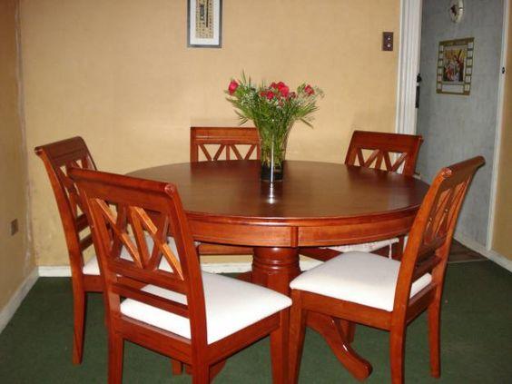 Comedor redondo de 6 sillas de madera decoracion pinterest for Sillas para comedor redondo