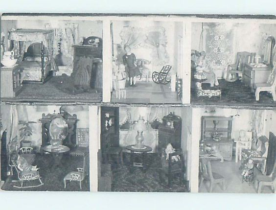 Unused Pre-1980 POSTCARD OF ANTIQUE DOLL HOUSE AT MUSEUM Mount Pocono PA hs9349