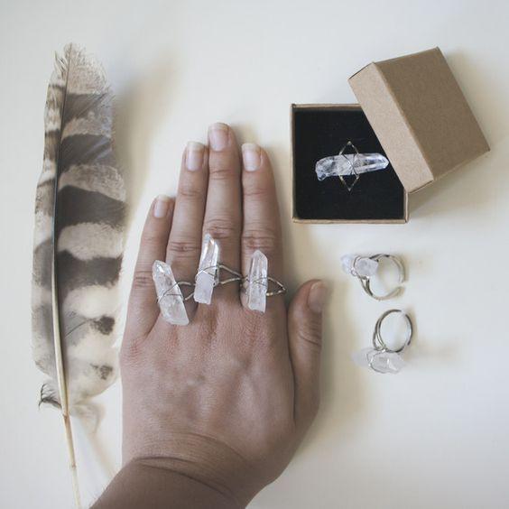 Cristal de roca - Anillo Cuarzo en Bruto Boho,Gypsy,Anillo Chic - hecho a mano por MartaDissenys en DaWanda