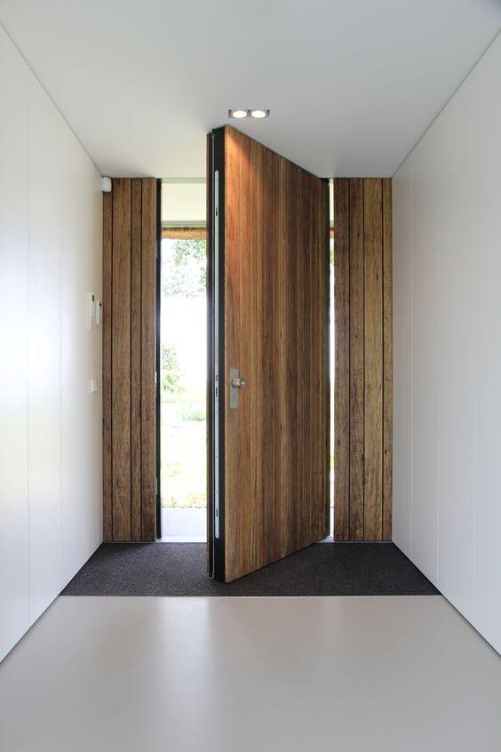 Robuuste FritsJurgens Taatsdeur als buitendeur.  #buitendeuren #taatsdeuren