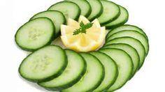 <p>Por+que+o+suco+funciona?+Simples:+a+perfeita+combinação+dos+ingredientes.+O+limão+é+alcalinizante,+afina+o+sangue,+acelera+o+metabolismo+e+tem+vitamina+C.+É+um+excelente+antioxidante+que+ajuda+a+combater+o+envelhecimento.+O+pepino+é+hidratante,+diurético+e+rico+em+fibras.+O+suco,+segundo+quem+já+o+…</p>