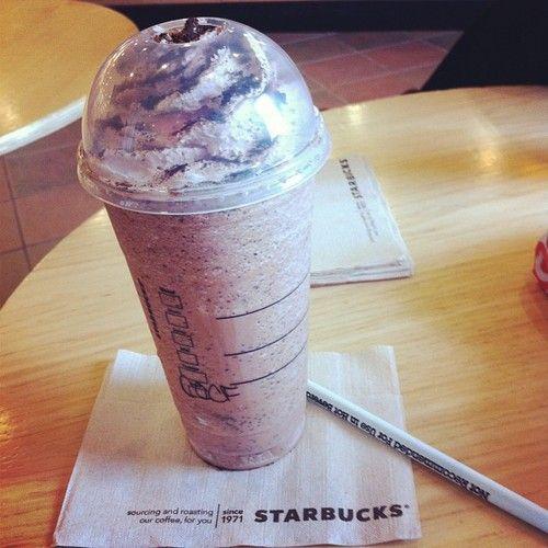 : Starbuckss Coffee, Yummy Drinks, Coffee Starbucks, Starbucks Coffee, Crumble Frappe, Food And Drinks, Coffees Cookie, Food Drinks