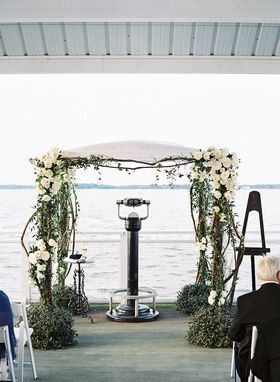 Chuppah at End of Pier    Photography: Adam Barnes   Read More:…