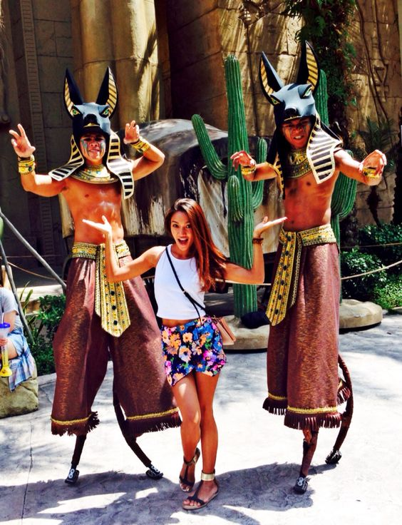 universal studios picture ideas - Universal studios Theme park outfits and Universal
