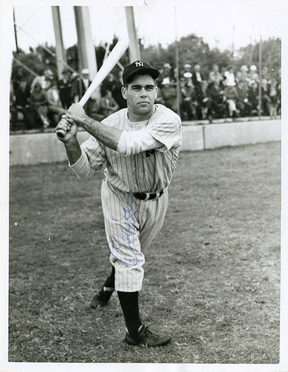 GAME 31,June 18,1941:Charlie Keller's [photo] 2 run HR would provide the Yankees' runs in a 3-2 loss to Chicago-and keep the team HR streak going. DiMaggio would leg out another ball blooped over Appling at short-Appling didn't bother to throw to first as DiMaggio was already across the bag. Jimmy Dykes, manager of Chi,would order an IBB on DiMaggio in the first with runners on 2nd and 3rd