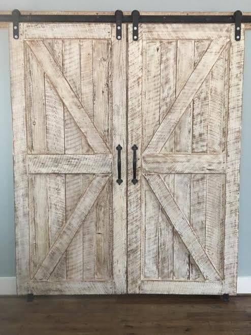 Atemberaubende Authentische Materialien Passende Scheunentore Wasche Atemberaubende Passende Scheu In 2020 Barn Doors Sliding Barn Door Designs Diy Barn Door