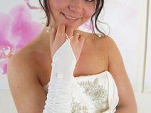 Geraffte Brauthandschuhe ivory, weiß o bordeaux
