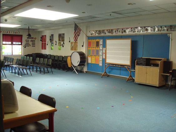 Organized Chaos: Teacher Tuesday: my classroom set-up 2014!