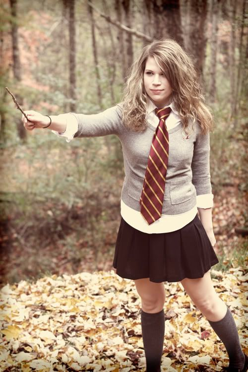 Hermione costume! This is the one I'm going to do deffo! @Elen Hartwell @Jess Liu James @Lluan Bim Evans