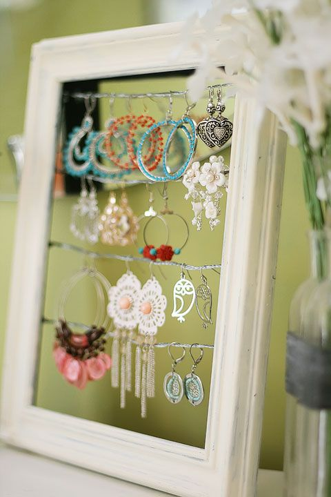 DIY earring display - {How To} using a picture frame and picture hanging wire.