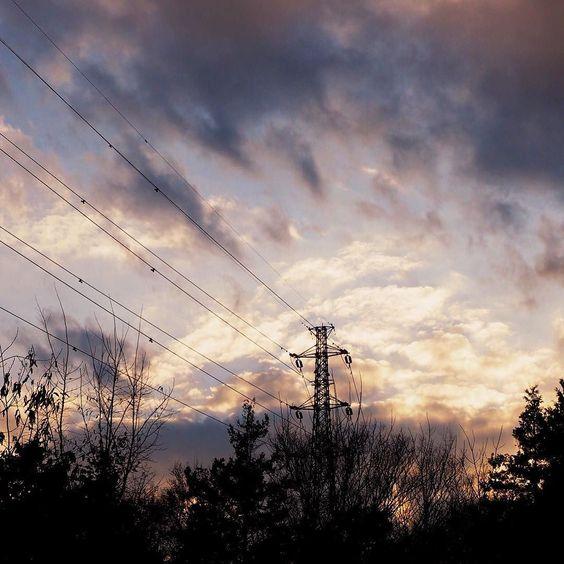#landscape #sunset #sky #clouds #tree #light #shadow #tower #wire #igersjp #icu_japan #team_jp_ #kanagawa #japan #winter #風景 #夕焼け #空 #雲 #木 #鉄塔 #電線 #光 #影 #神奈川 #今日 by ryohamase