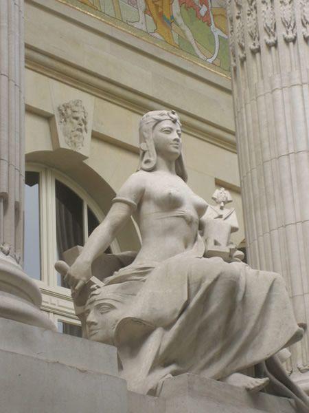 Façade of Le Grand Palais