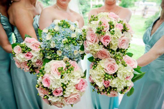Pastel bouquets love love love!