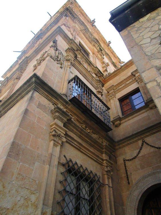 Detalle de la fachada del Palacio de Monterrey , Salamanca. Spain.