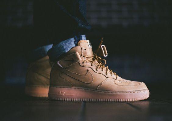 Nike Air Force Estive