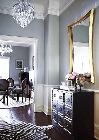 Chic mirror and furniture entry