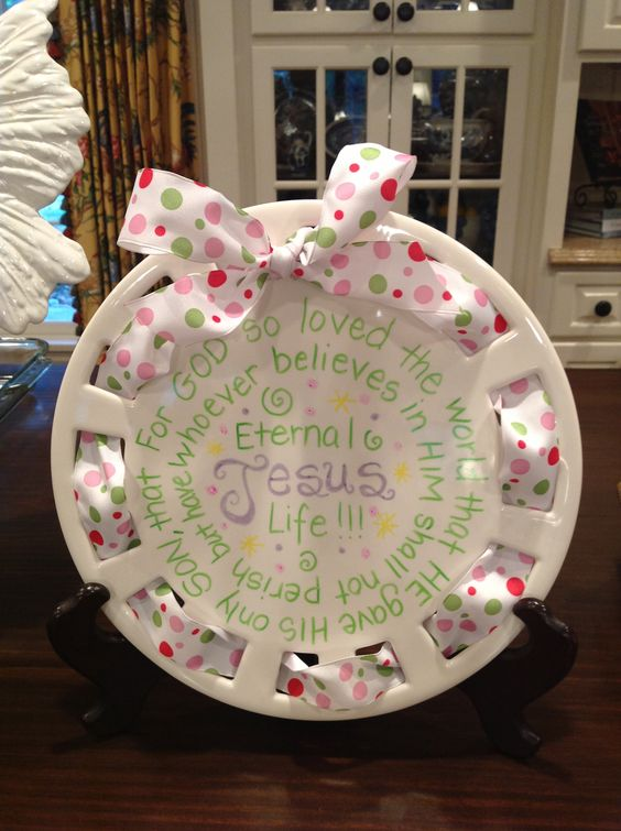my southern living plate decorated for easter holiday decor