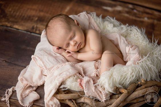 Sarah, 6 Wochen | Babyfotografin in Nuernberg » Katja Schünemann Photography