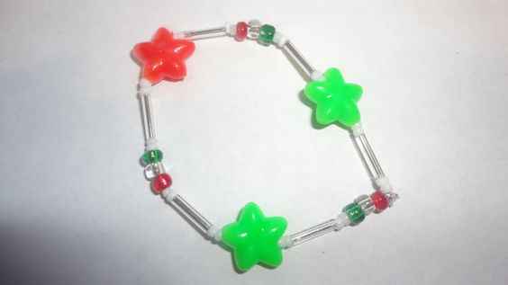 clear green and red star plastic bead by PatsapearlsBoutique, $1.00