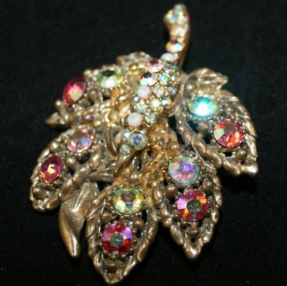 VINTAGE jewelry images | Vintage Jewelry miniature Cat shaped Pin crystals sku2z