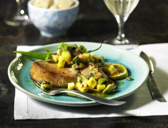 Unser beliebtes Rezept für Thunfisch mit Avocado-Ananas-Salsa und mehr als 55.000 weitere kostenlose Rezepte auf LECKER.de.