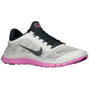 Nike Free 3.0 V5 - Largeur Noir Blanc Femmes - B - Couches Moyennes