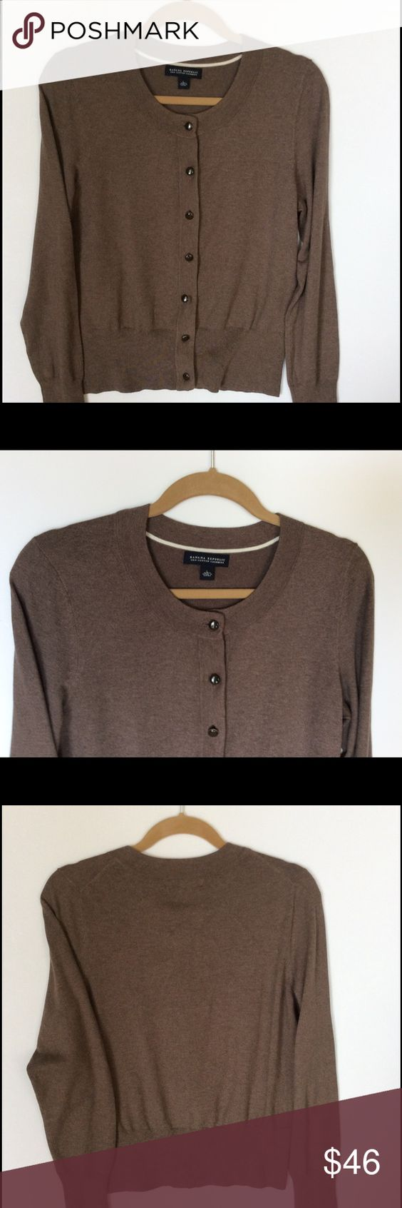 Banana Republic Sweater Banana Republic cardigan in brown size large, perfect staple for your closet that is chic as well as comfortable Banana Republic Sweaters Cardigans