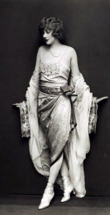 Ziegfeld Follies Girl Helen Lee Worthing 1927  Edward Thayer Monroe