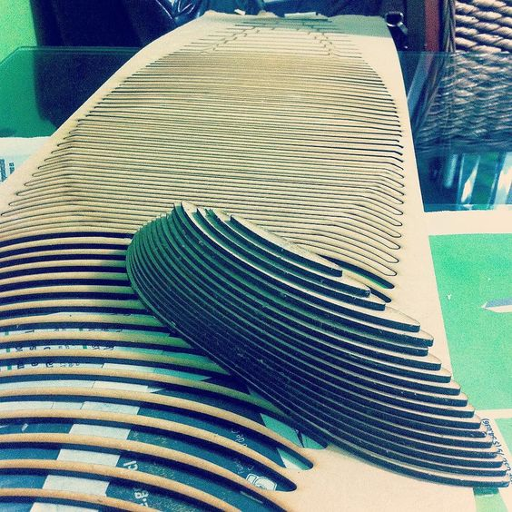 Impresión 3D a mano jaja #IndustrialDesign #wood #3dPrinting #handwork by white__tree