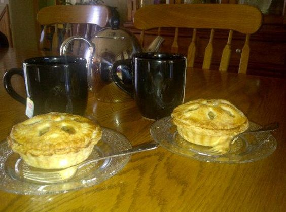 Mini apple pies and tea make a perfect Sunday afternoon
